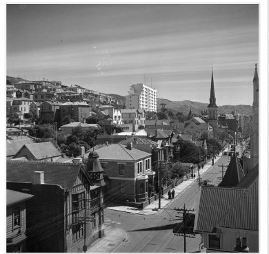 1943 - Willis St, Wellington. Pascoe, John Dobree, 1908-1972 :Photographic albums, prints and negatives. Ref: 1/4-000821-F. Alexander Turnbull Library, Wellington, New Zealand. http://natlib.govt.nz/records/23094475
